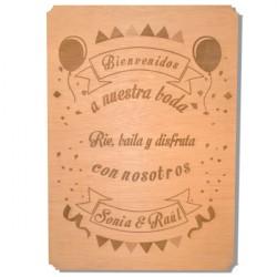 cartel de madera rie baila y disfruta para boda