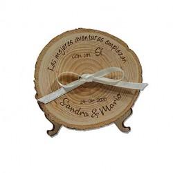 porta anillos de madera con un si para bodas