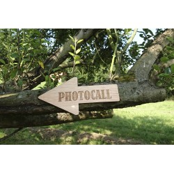 flecha madera photocall boda